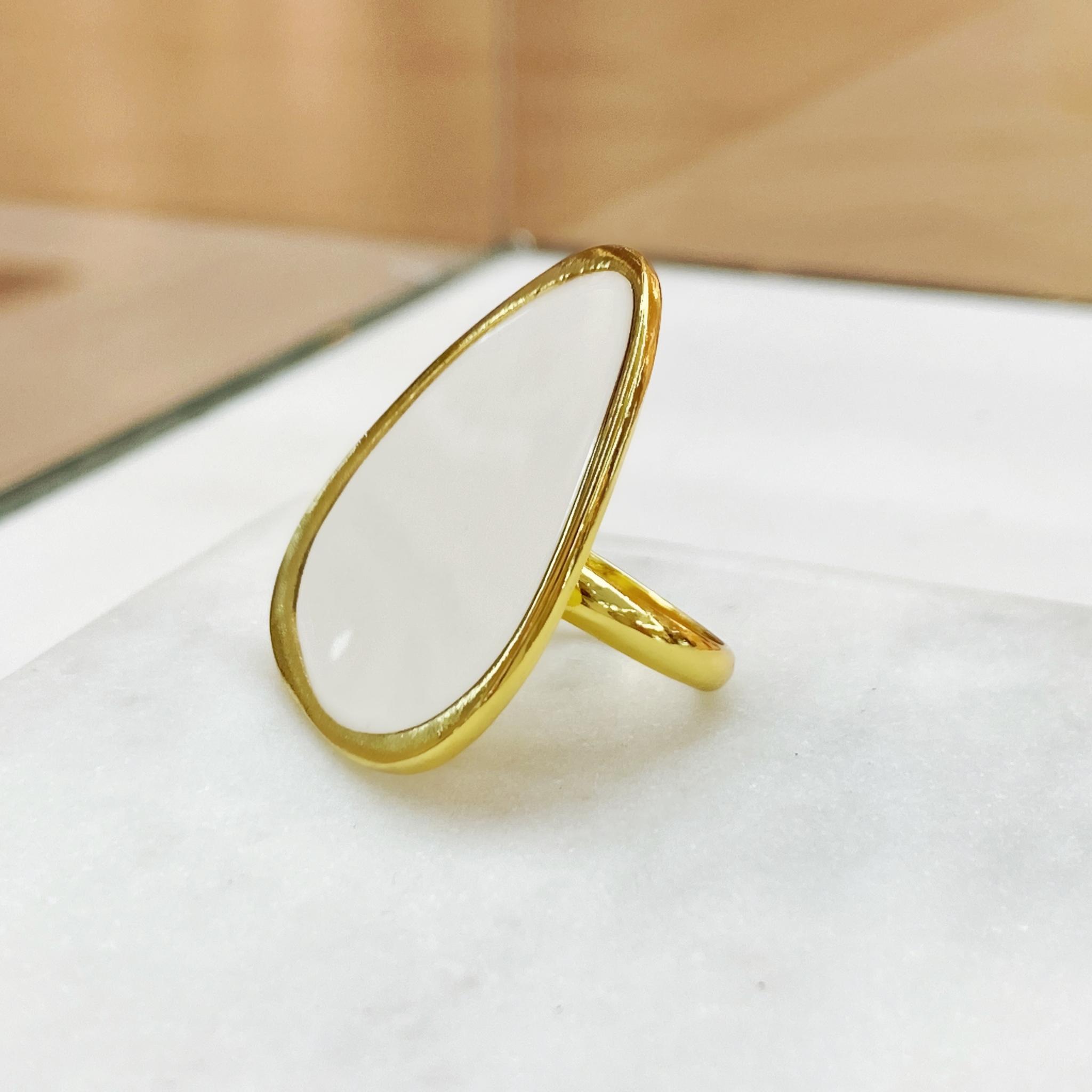 Кольцо Vi Треугольник Асимметрия Эмаль белый