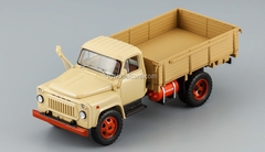 GAZ-52-07 Gas balloon Exhibition beige 1977 DIP 1:43