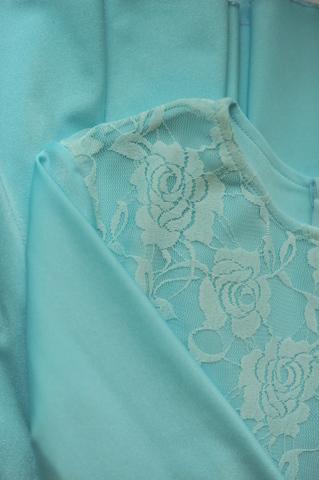 Рейтинговое платье с гипюром