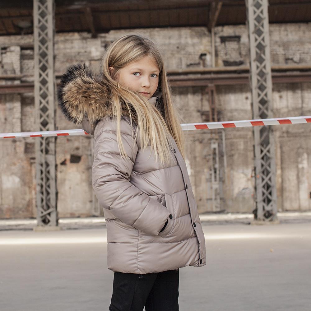 Зимова куртка з натуральної опушки в бежевому кольорі на дівчинку