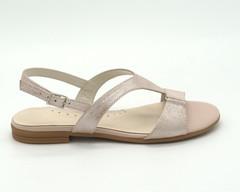 Розовые сандалии из натуральной кожи