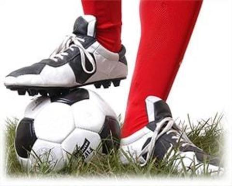 Купить футбольную обувь (бутсы, копы, сороконожки)