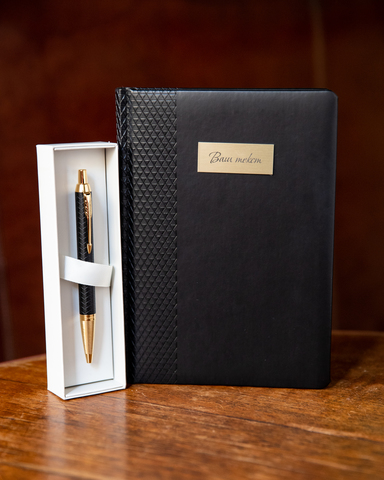 Подарочный набор с гравировкой с ручкой Parker IM Premium Black GT