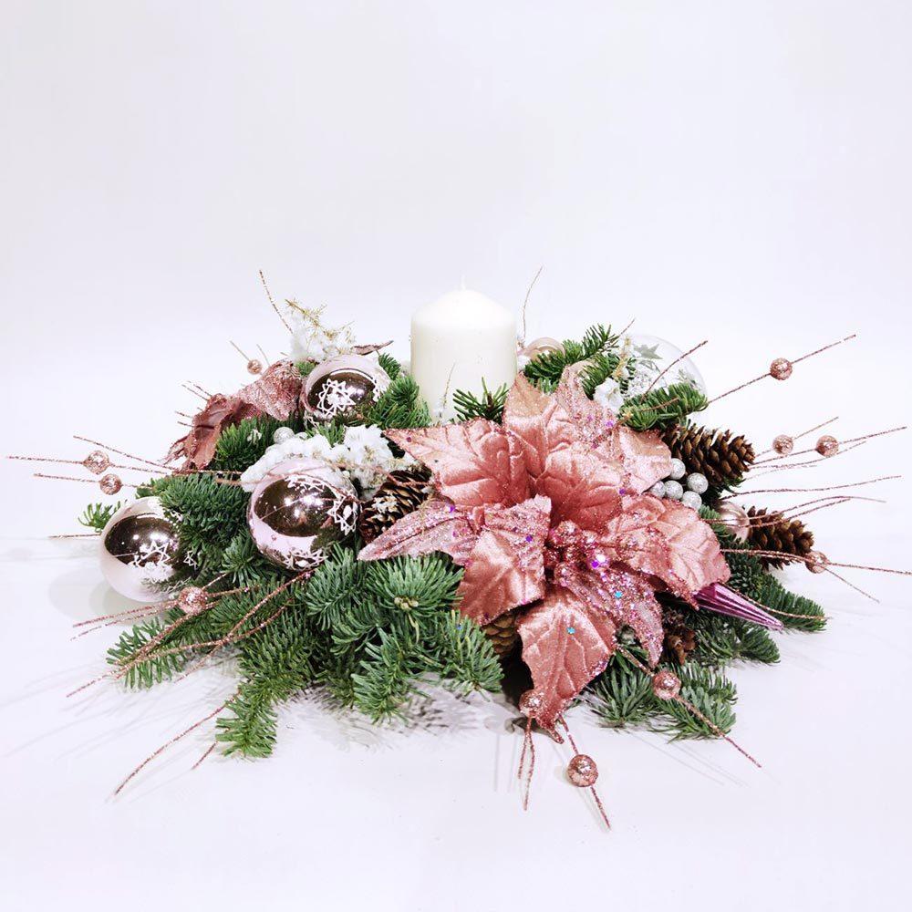 Новогодняя композиция из нобилиса со свечей и пуансетией (D=40 см)