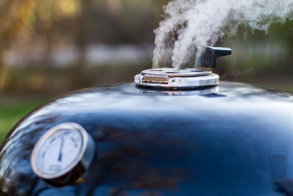 Гриль угольный Summit Charcoal Grill