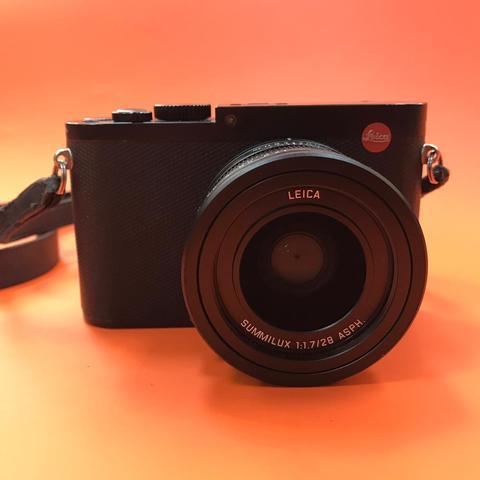 Leica Camera Q (Typ 116)  Комиссия