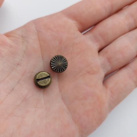 2 шт. Винт  с гравитовкой h-5 мм., под антик