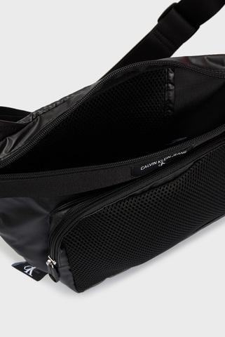 Мужская черная поясная сумка TRIANGLE SLING Calvin Klein