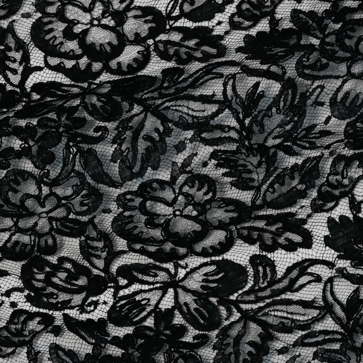Французское кордовое кружево Sophie Hallette с ручной вышивкой