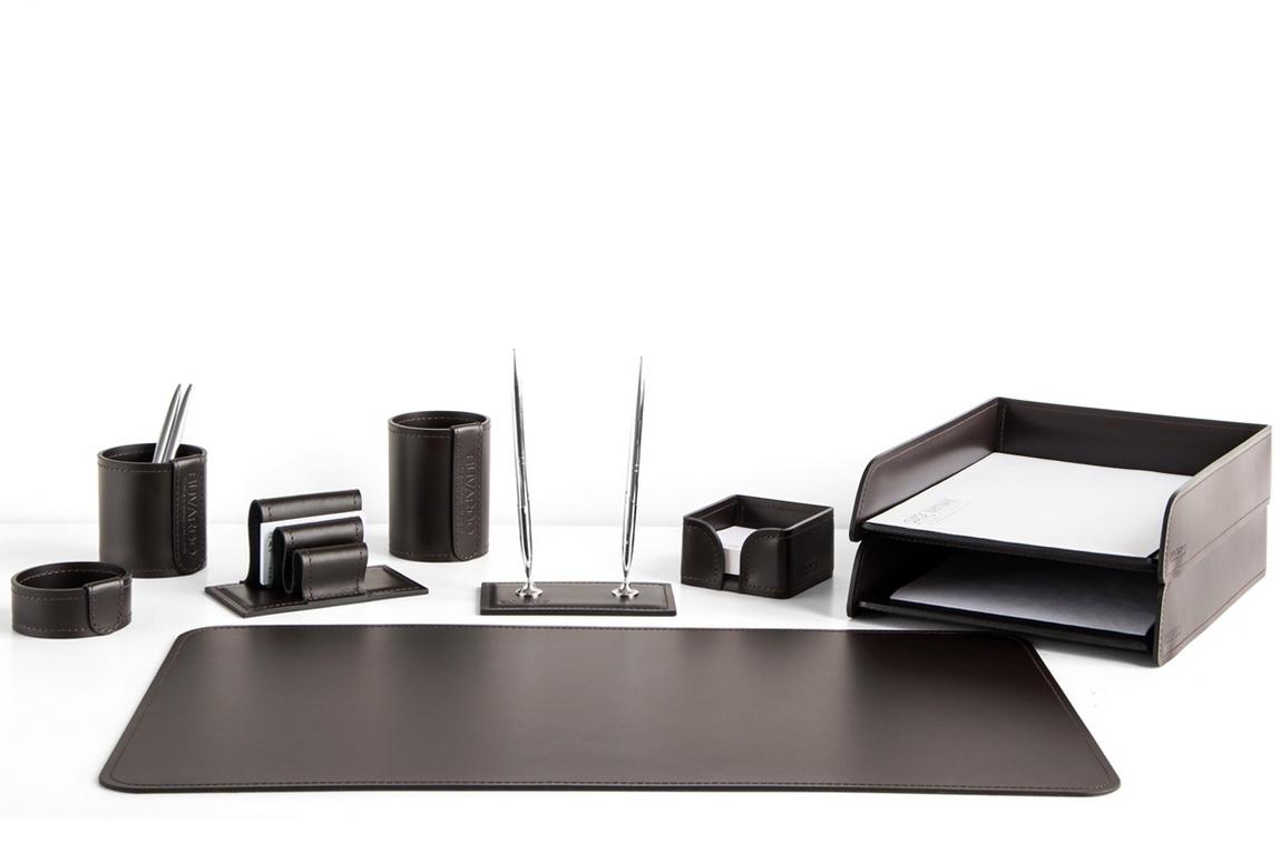Набор на стол руководителя 1372-СТ 9 предметов цвет кожи Cuoietto темно-коричневый шоколад.