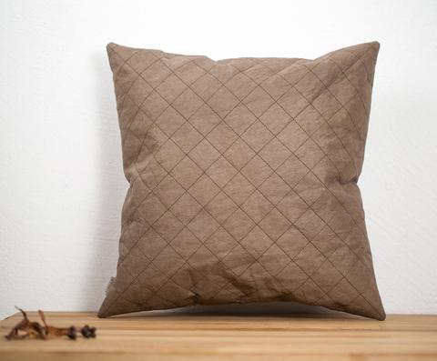Коричневый стёганый чехол на подушку, моющаяся крафт-бумага, 37х37 см