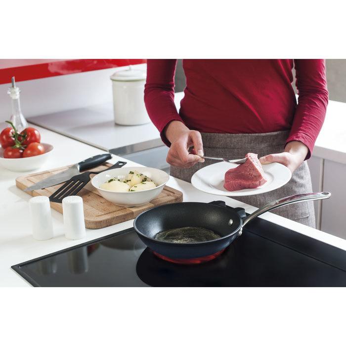 Сковорода TITAN (24 см)