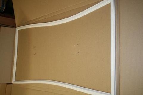 Уплотнитель двери Индезит 570x1110мм 854018