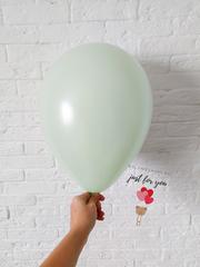 Воздушный шар зеленый макарунс
