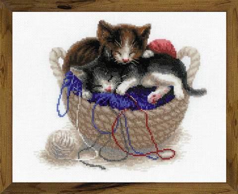Набор для вышивания крестом «Котята в корзине» (1724)