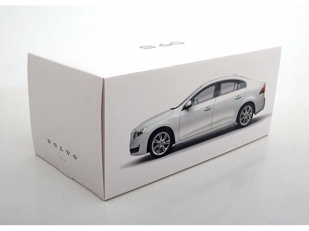 Коллекционная модель Volvo S60 2015