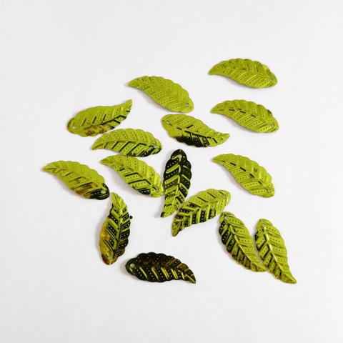 Пайетки лист длинный салатовый 50грамм 28*10мм
