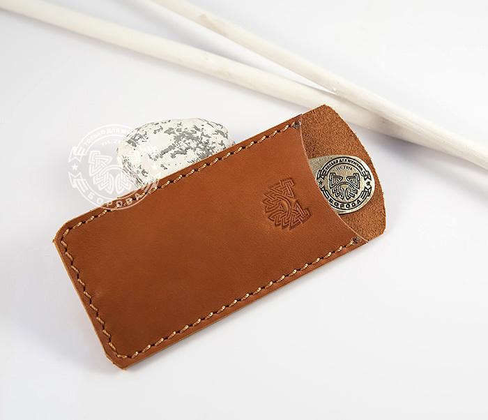 RAZ171 Классная фирменная расческа из бронзы в кожаном чехле ручной работы фото 02