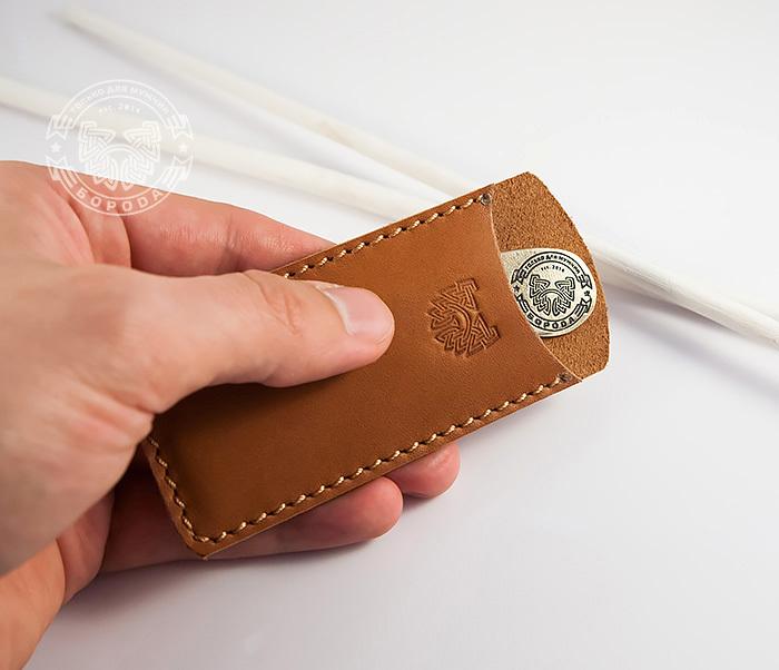RAZ171 Классная фирменная расческа из бронзы в кожаном чехле ручной работы фото 04