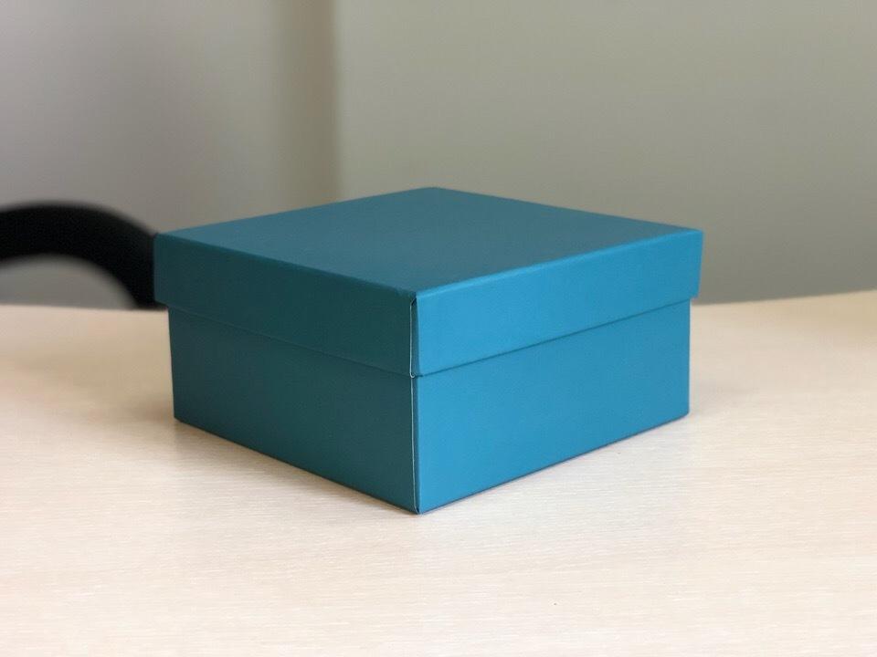 Квадратная коробка 12см .Цвет; темно зеленый . В розницу 150 рублей