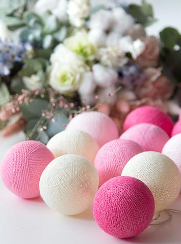 Гирлянда из хлопковых шариков Розовая