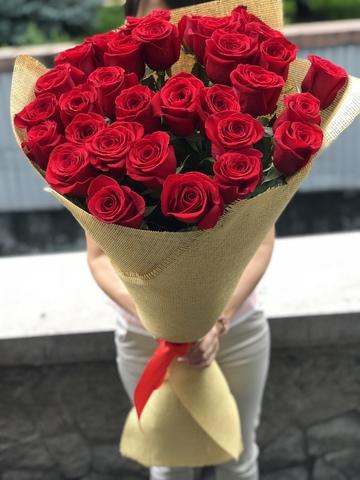 Букет из 31 Метровой голландской розы