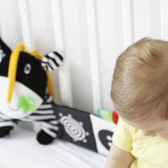 Книжка-бампер в кроватку Hencz Toys Корова