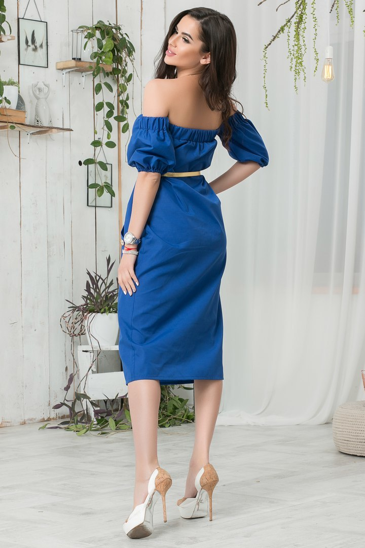 Летнее платье-миди с открытыми плечами, синее