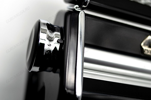 Тестораскатка с регулировкой толщины теста  и лапшерезка Atlas 150 Marcato, чёрный корпус