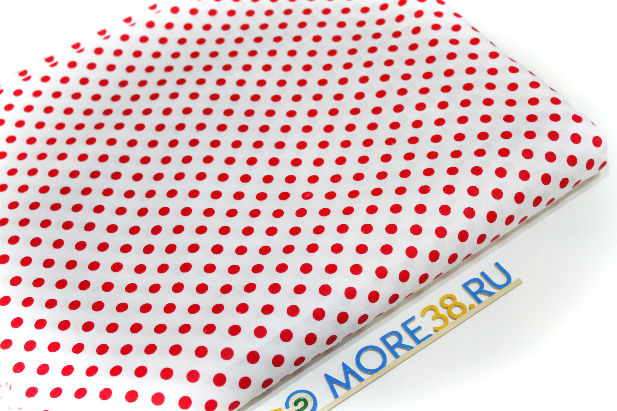 Красный горошек на белом