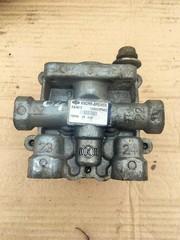 Кран 4-х контурный/ тормозной кран МАН ТГА КНОРР Б/У в отличном состоянии 4-х контурный защитный клапан! 6.9/4.5 bar, M16х1.5 \MAN TG-A  KNORR BREMSE - AE4613; II38802F  OEM MAN - 81521516096