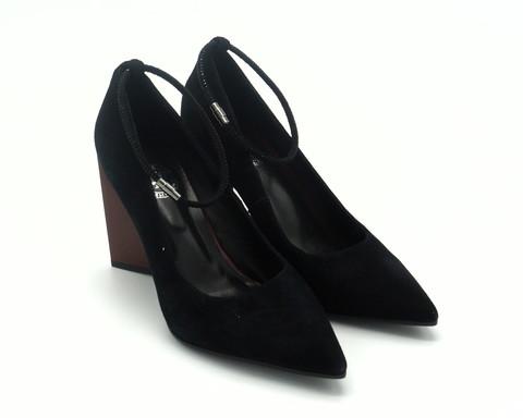 Туфли из натурального велюра черного цвета,с хлястиком вокруг щиколотки