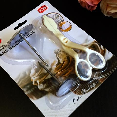 Ножницы кондитерские для кремовых цветов + 2 кондитерских гвоздика