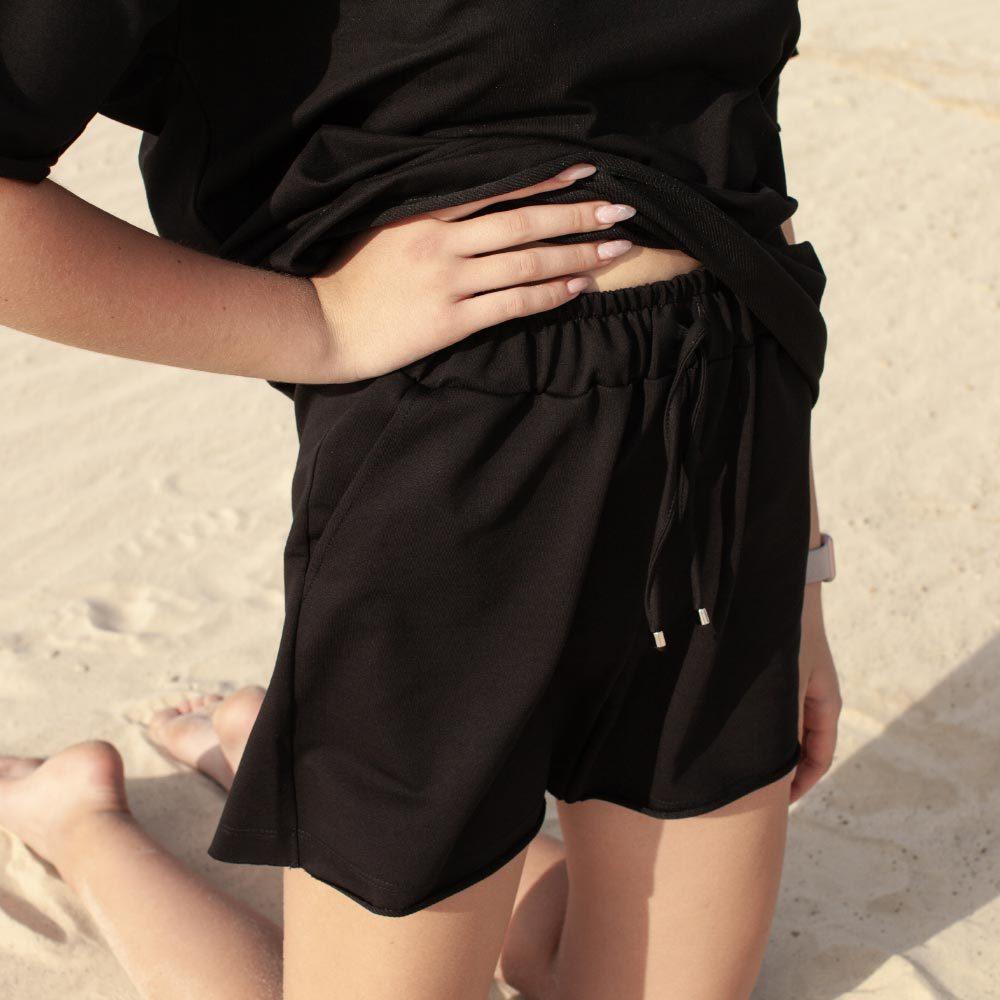 Дитячий підлітковий літній костюм для дівчаток з шорт і футболки оверсайз чорного кольору