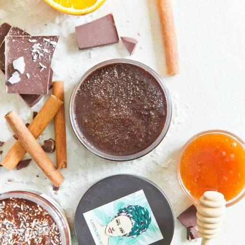 Скраб сахарный с медом и корицей 110 гр