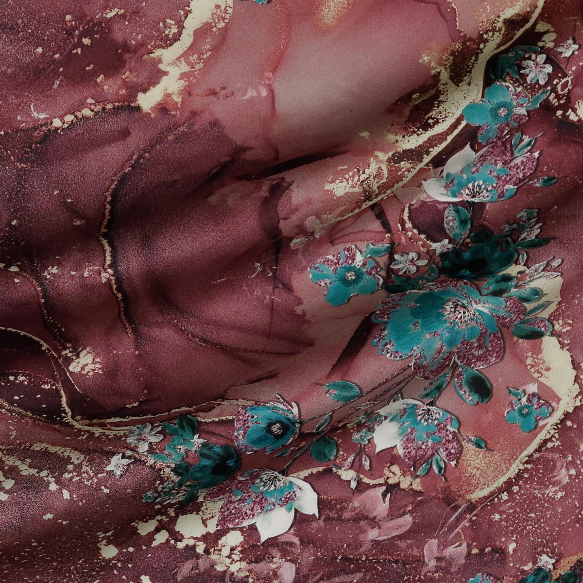Шёлковый атлас с живописным принтом в свекольных оттенках