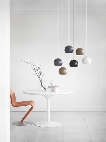 Лампа подвесная Ball, темно-серая матовая, черный шнур