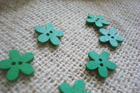 Деревянные пуговки-цветочки, зеленый