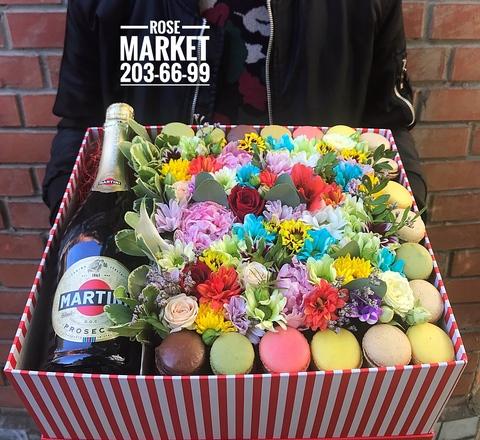 Цветы и macaron ( 36 шт.) + напиток #20622