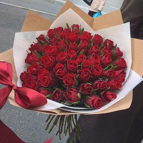 51 красная роза 50 см с оформлением #1442