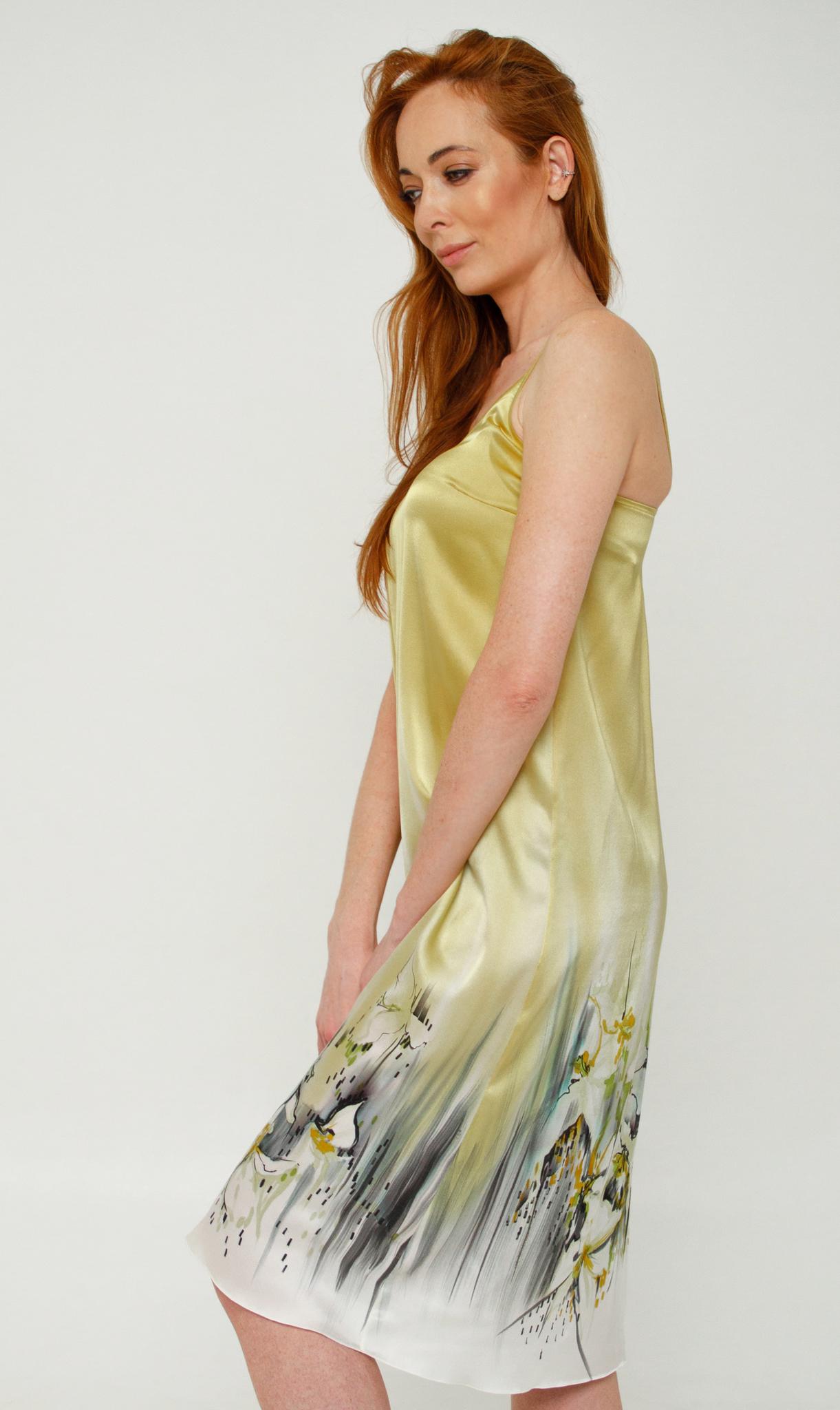 Шелковое платье батик
