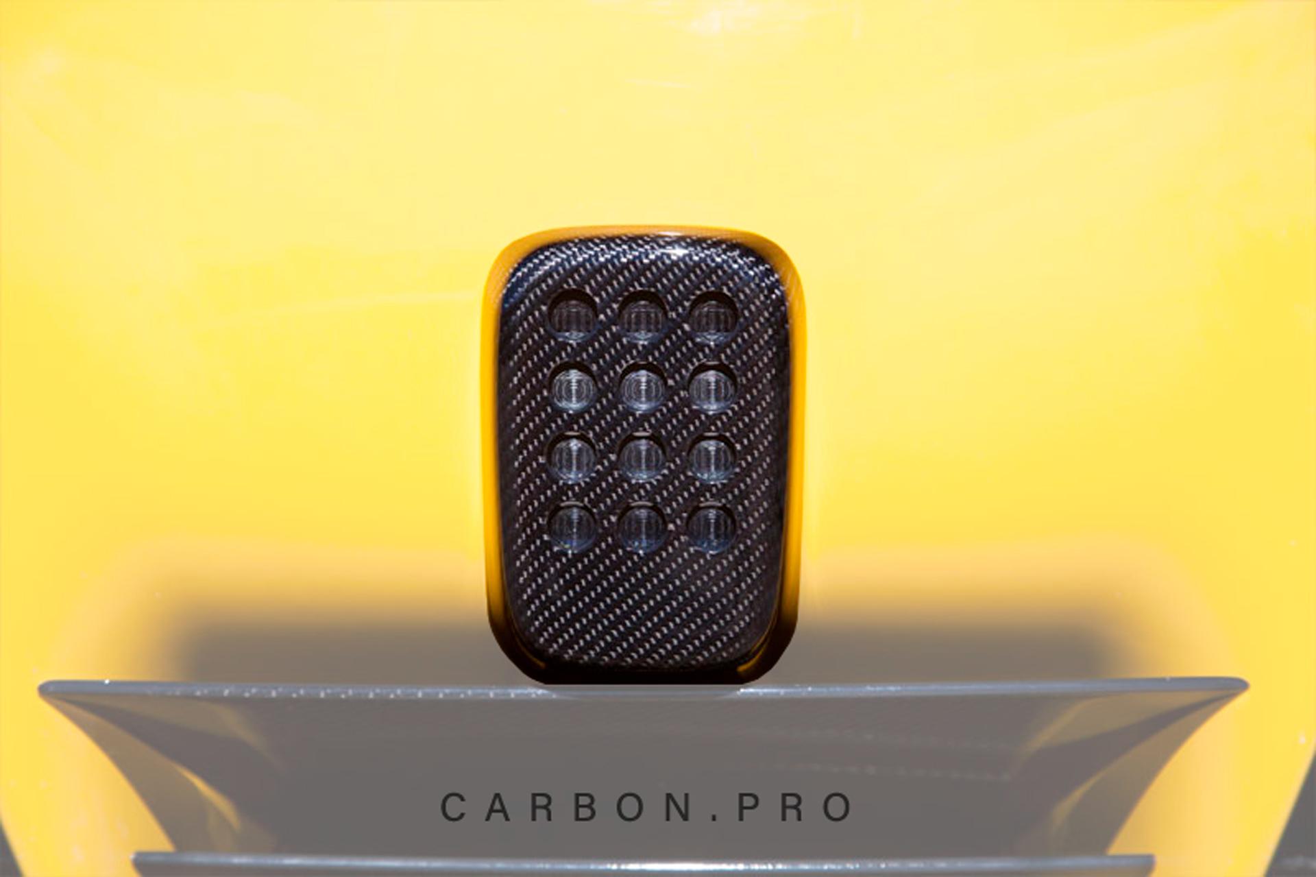 Карбоновая накладка на стоп сигнал Novitec Style для Ferrari F12 Вerlinetta