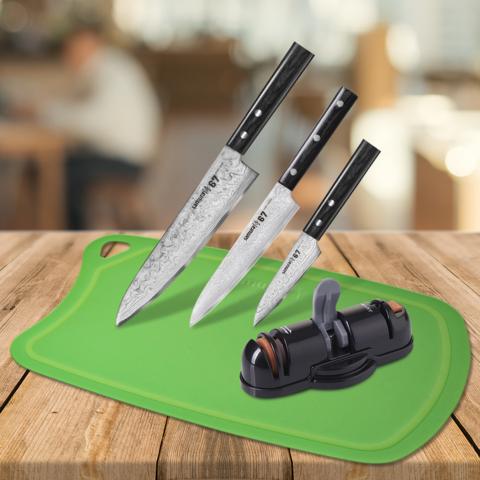 Набор из 3 кухонных ножей Samura 67 Damascus, точилки KSS-3000 и разделочной доски