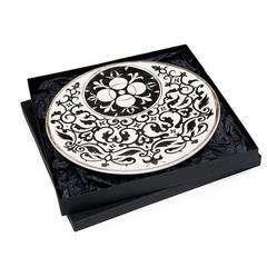 Настенная тарелка с росписью