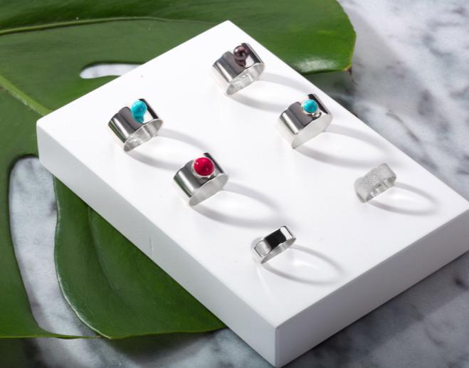 Серебряное широкое кольцо с бирюзой