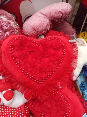 Подушка с сердечком 40 см