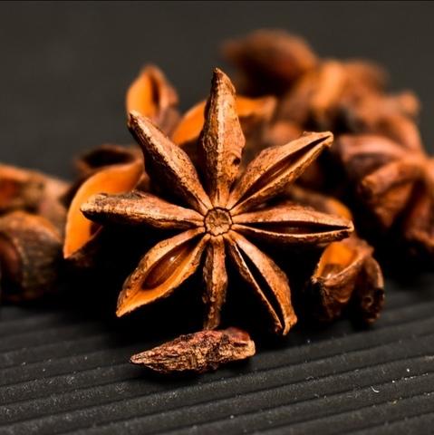 Анис (Бадьян звёздчатый), семена