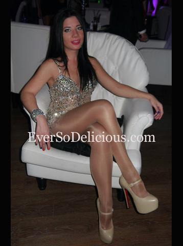 Елена в платье Jovani 3699