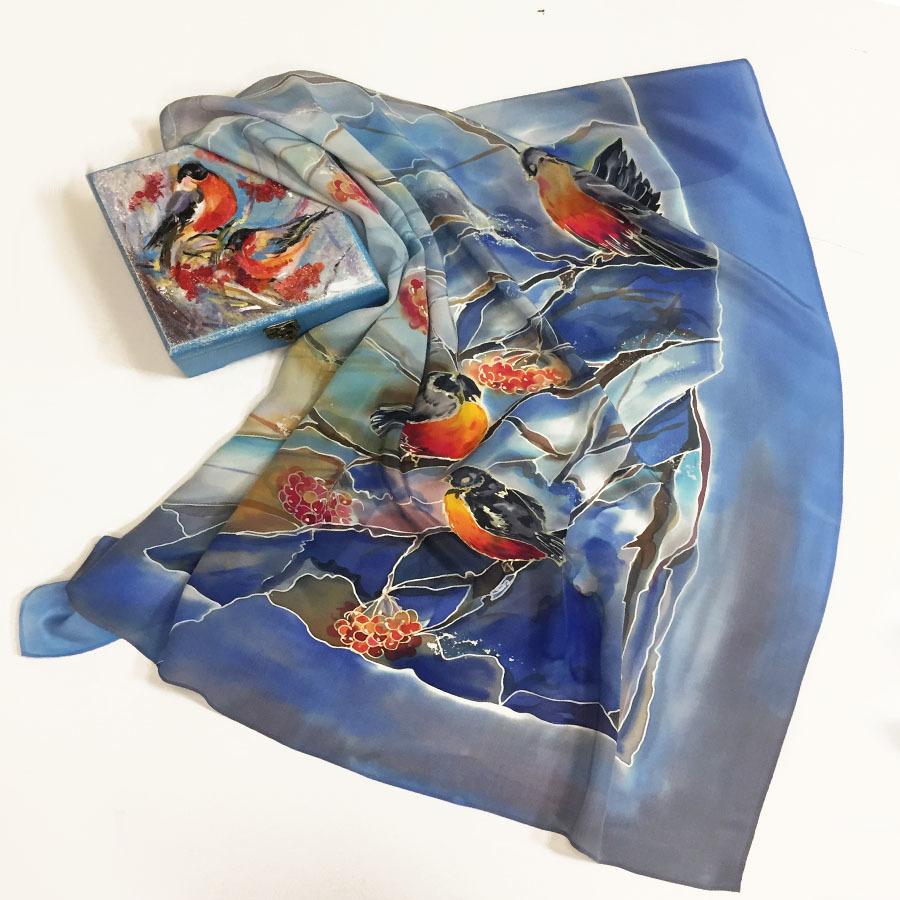 Комплект шкатулка и платок батик Снегири