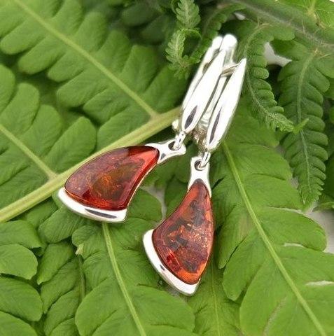 Серьги из серебра с янтарём цвет коньяк